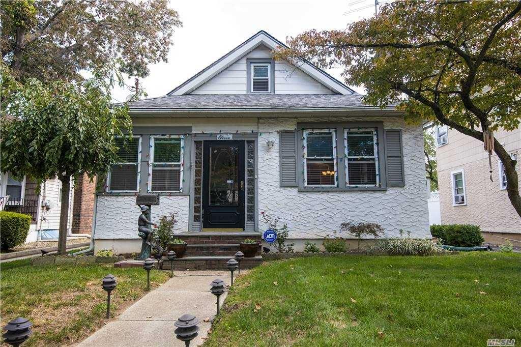 11 Bristol Street, Lynbrook, NY 11563 - MLS#: 3249248