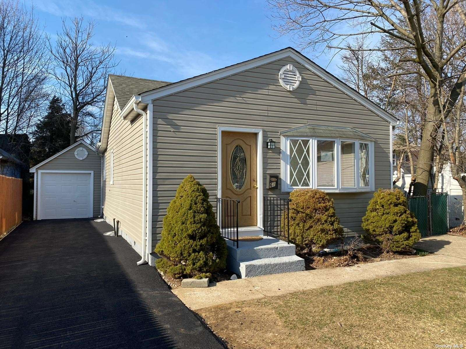 61 Robinwood Avenue, Hempstead, NY 11550 - MLS#: 3294250