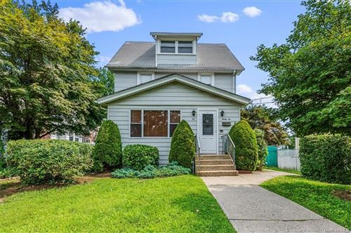 Photo of 32 Rockland Place, New Rochelle, NY 10801 (MLS # H6133251)