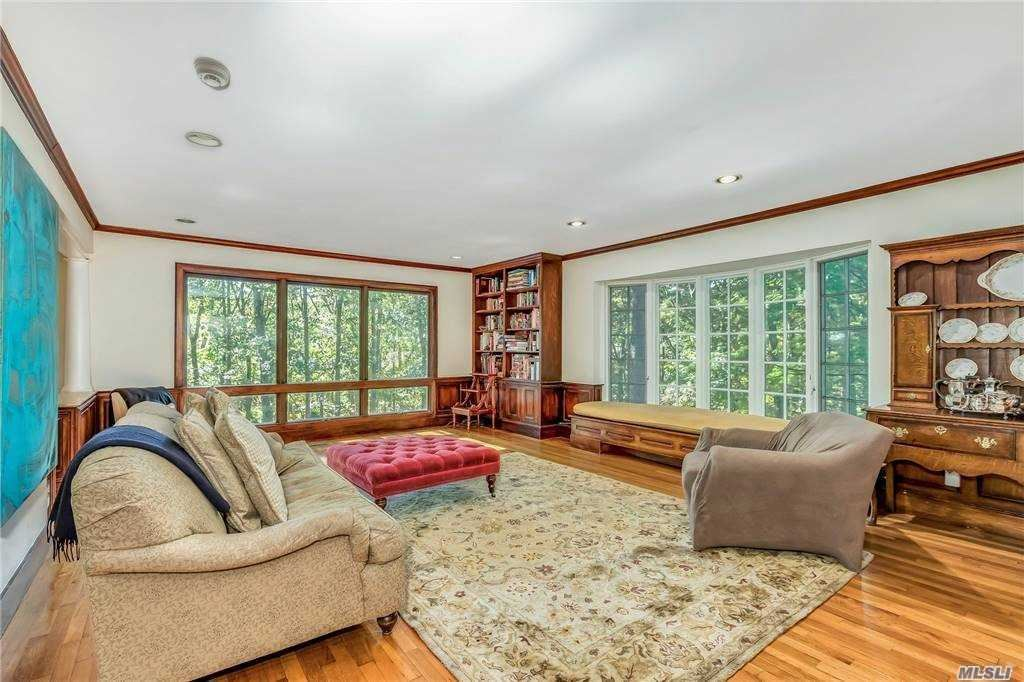 Photo of 23 Glendale Drive, Oyster Bay Cove, NY 11771 (MLS # 3260254)