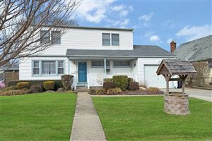 Photo of 77 Greenwood Dr, N. Babylon, NY 11703 (MLS # 3101257)