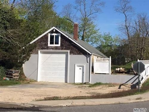 Photo of 646 Middle Rd, Riverhead, NY 11901 (MLS # 3124259)