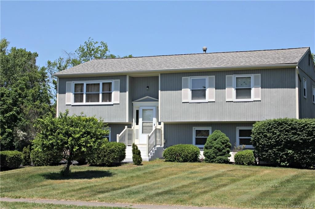 Photo of 4 Fortune Road E, Middletown, NY 10941 (MLS # H6043260)