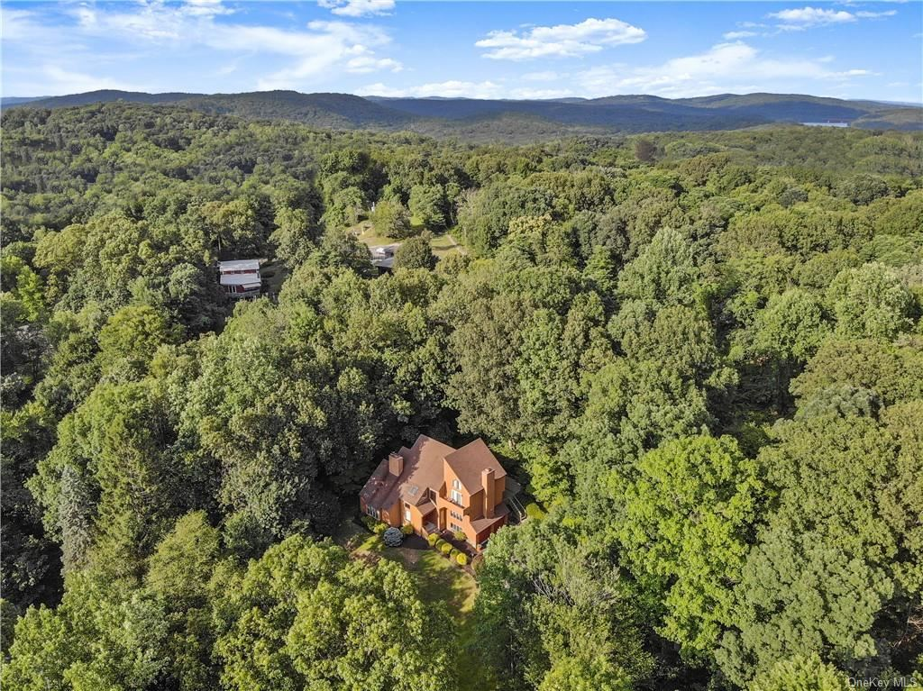 215 Hessian Hills Road, Croton On Hudson, NY 10520 - MLS#: H6045264