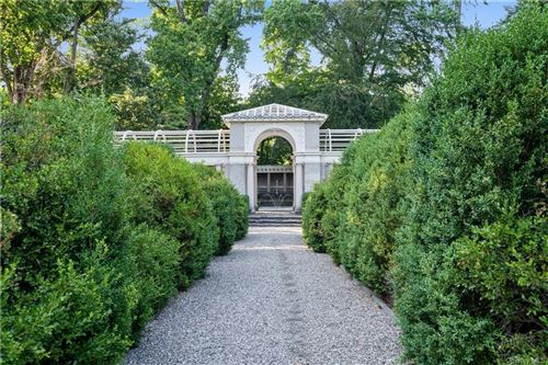 Photo of 25 Beechwood Way, Briarcliff Manor, NY 10510 (MLS # H6048265)