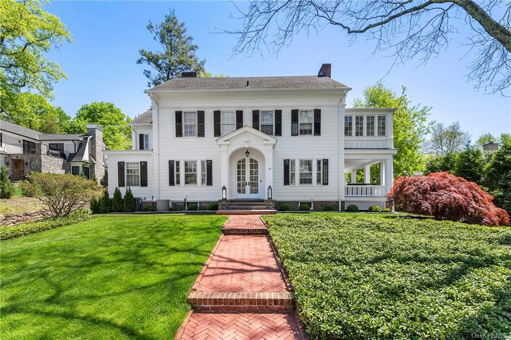 Photo of 24 Walworth Avenue, Scarsdale, NY 10583 (MLS # H6110265)