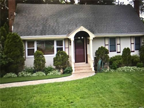 Photo of 21 Buffet Pl, Huntington Sta, NY 11746 (MLS # 3184268)