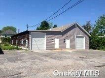 Photo of 341 Sweezy Avenue N, Riverhead, NY 11901 (MLS # 3326269)