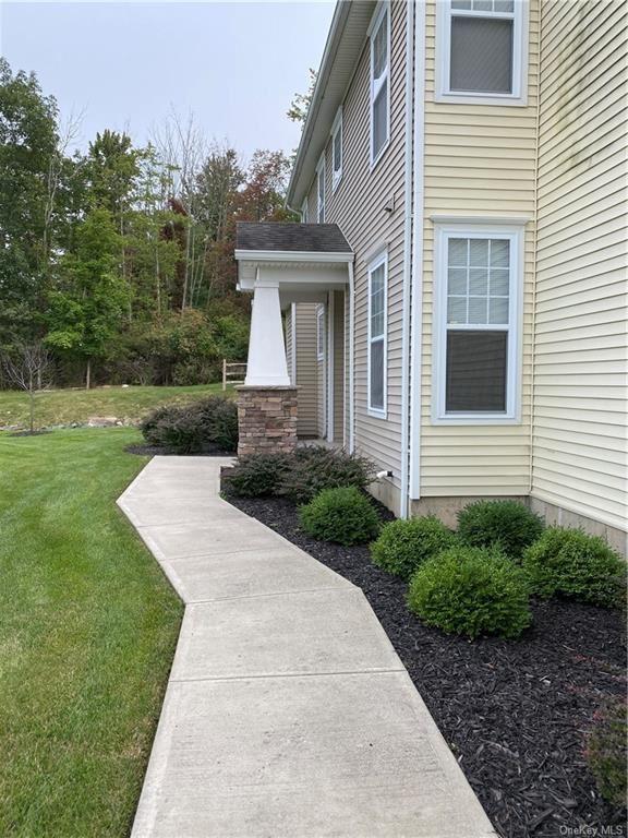 Photo of 48 Avoncroft Lane, Middletown, NY 10940 (MLS # H6072270)
