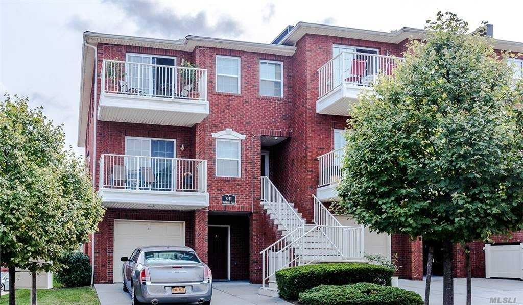 3-11 Weatherly Pl #C, College Point, NY 11356 - MLS#: 3250271