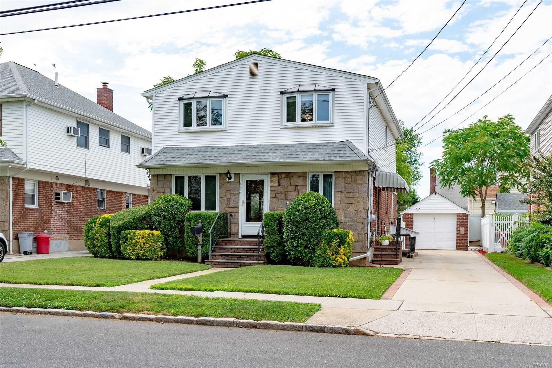 607 White Ave, New Hyde Park, NY 11040 - MLS#: 3230272