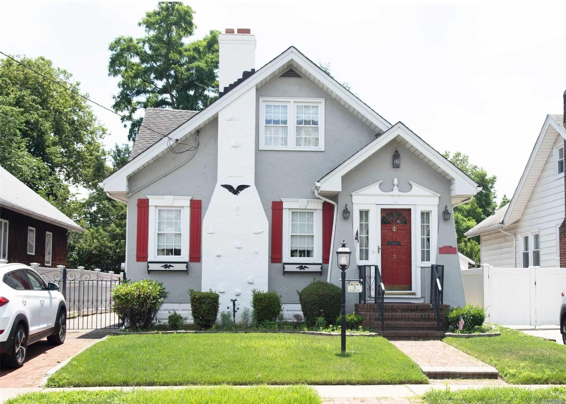 74 Stuart Avenue, Malverne, NY 11565 - MLS#: 3232273