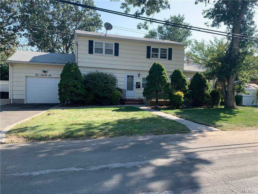 526 Cypress St, North Babylon, NY 11703 - MLS#: 3255273
