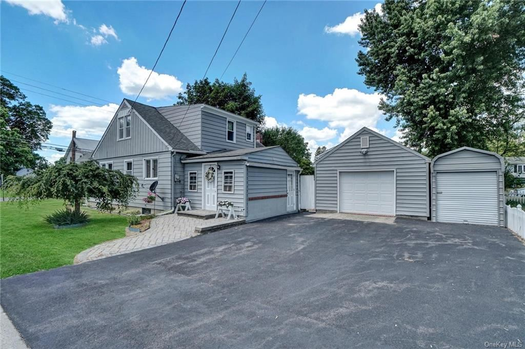 Photo of 15 Finneran Lane, Pine Bush, NY 12566 (MLS # H6045275)