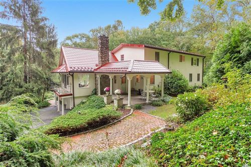 Photo of 33 Tennis Court Rd, Cove Neck, NY 11771 (MLS # 3170280)