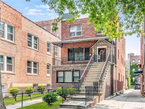 Photo of 2452 Bronx Park E, BRONX, NY 10467 (MLS # H6134280)