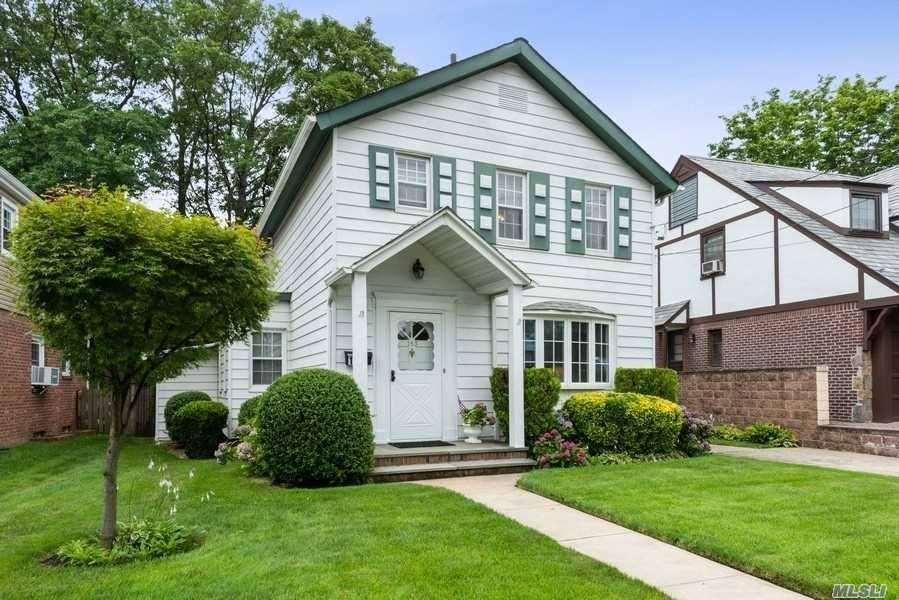 153 Hempstead Avenue, Malverne, NY 11565 - MLS#: 3235288