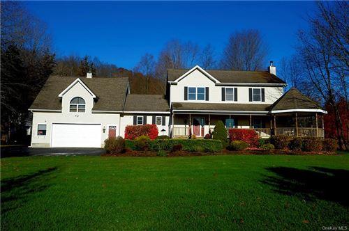 Photo of 32 Ridge View Drive, Patterson, NY 12563 (MLS # H6082289)