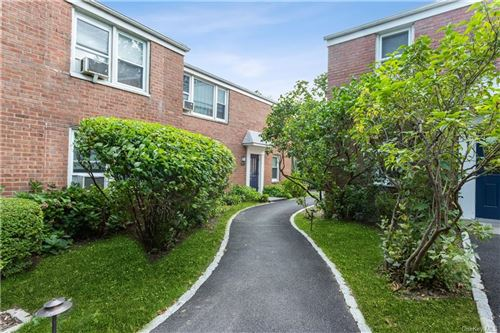 Photo of 122 Lawn Terrace #2H, Mamaroneck, NY 10543 (MLS # H6088290)