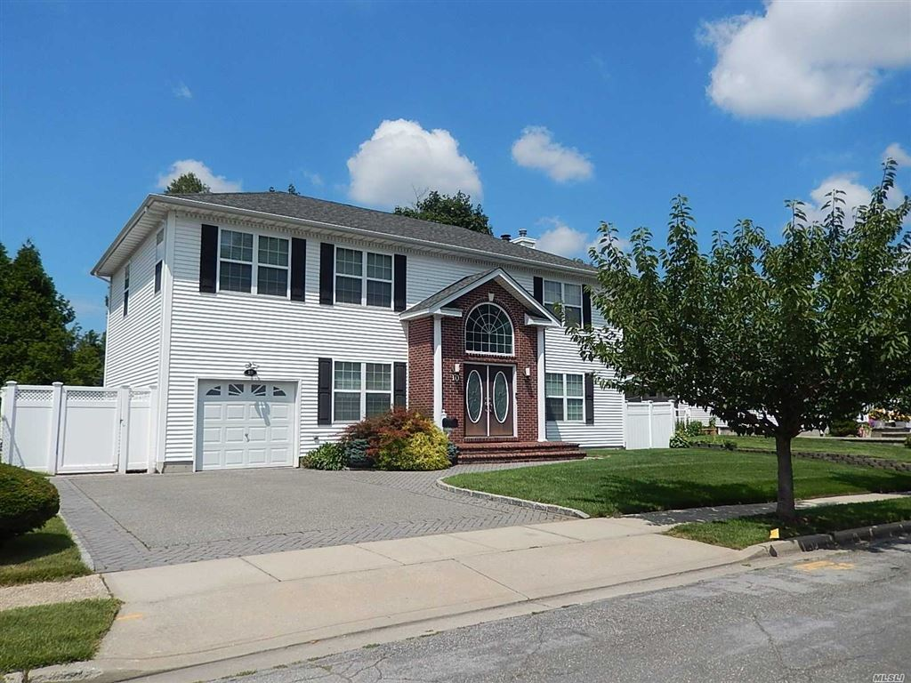 10 E Northern Parkway, Plainview, NY 11803 - MLS#: 3158290