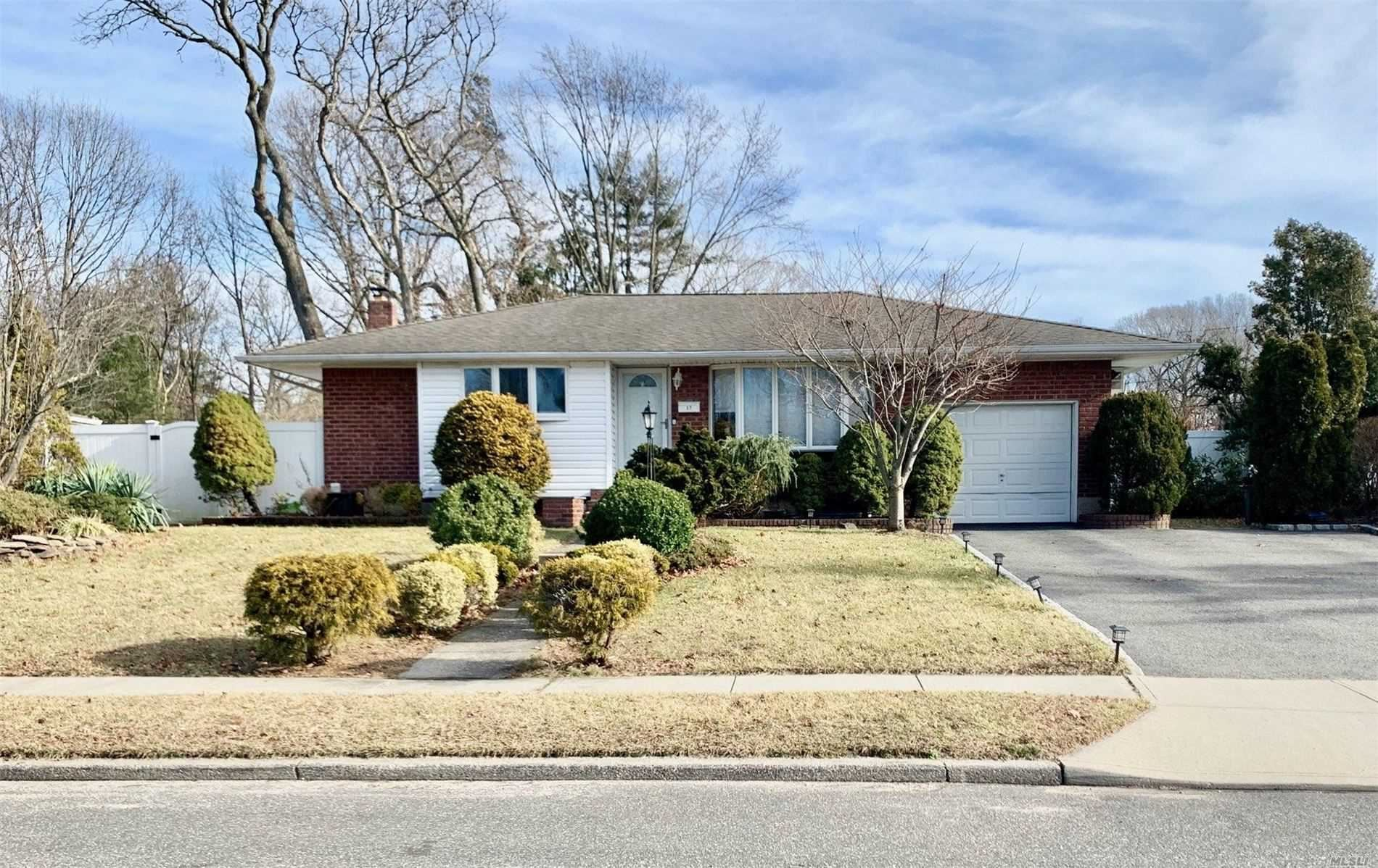 17 Valmont Lane, Commack, NY 11725 - MLS#: 3195291