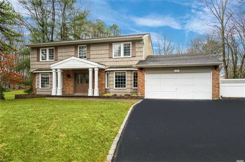 Photo of 11 Peppermill Ct, Commack, NY 11725 (MLS # 3203293)