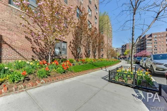 69-10 Yellowstone Blvd #321, Forest Hills, NY 11375 - MLS#: 3205295