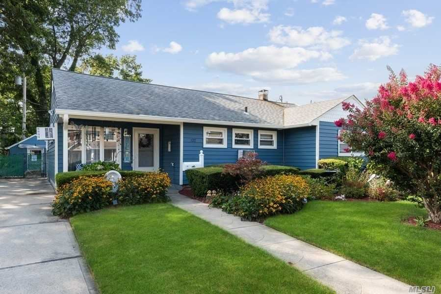 122 Fairview Avenue, East Meadow, NY 11554 - MLS#: 3244295