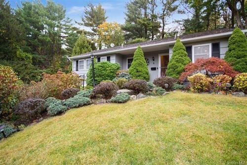 Photo of 6 Hazelton Circle, Briarcliff Manor, NY 10510 (MLS # H6092296)