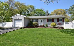 Photo of 185 Muriel St, Holbrook, NY 11741 (MLS # 3127299)