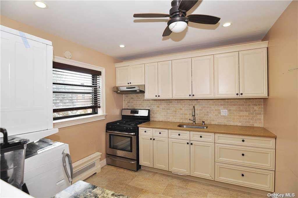 219-47 74th Avenue #Upper, Bayside, NY 11364 - MLS#: 3293300