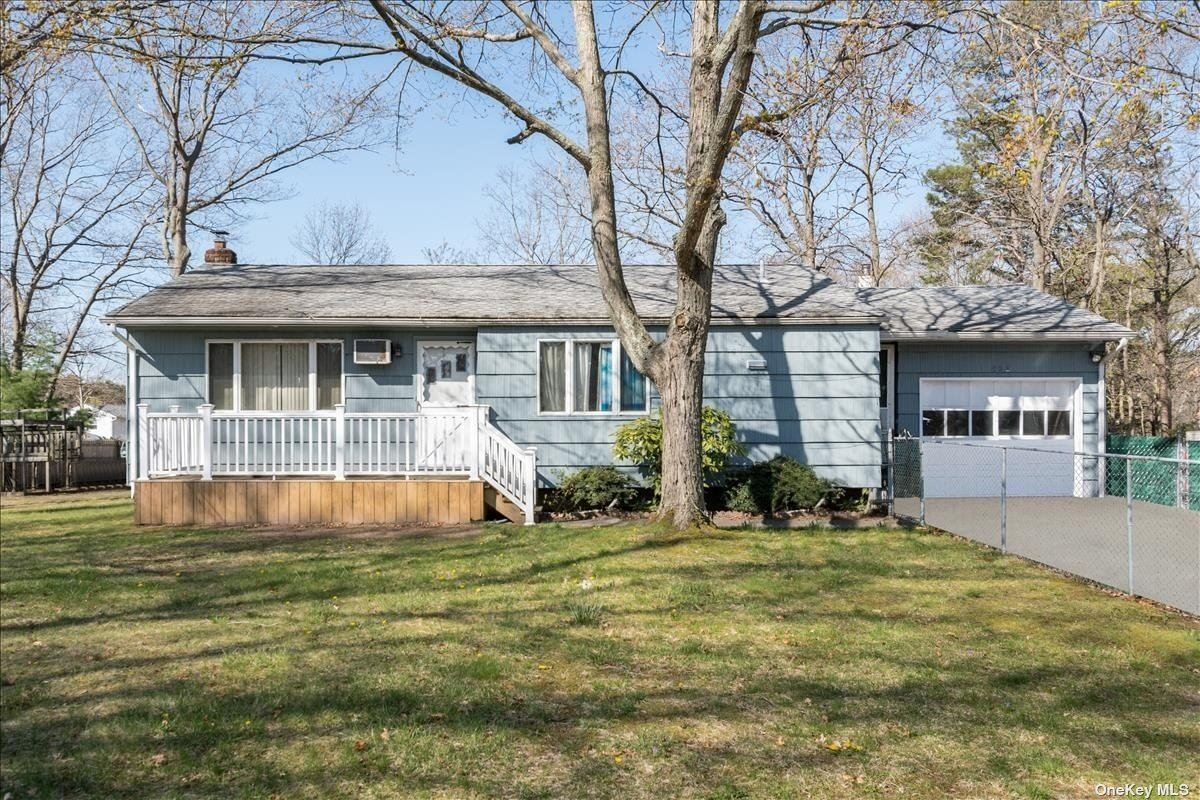 832 Old Town Road, Selden, NY 11784 - MLS#: 3305300