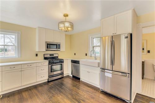 Photo of 519 Sterling Pl, Greenport, NY 11944 (MLS # 3119305)