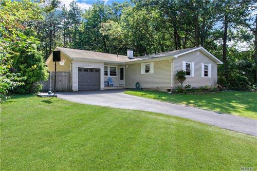 Photo of 4 Grady Lane, Coram, NY 11727 (MLS # 3252311)