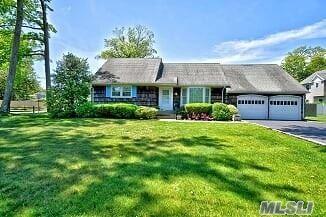 136 Lakeside Drive, Oakdale, NY 11769 - MLS#: 3221311