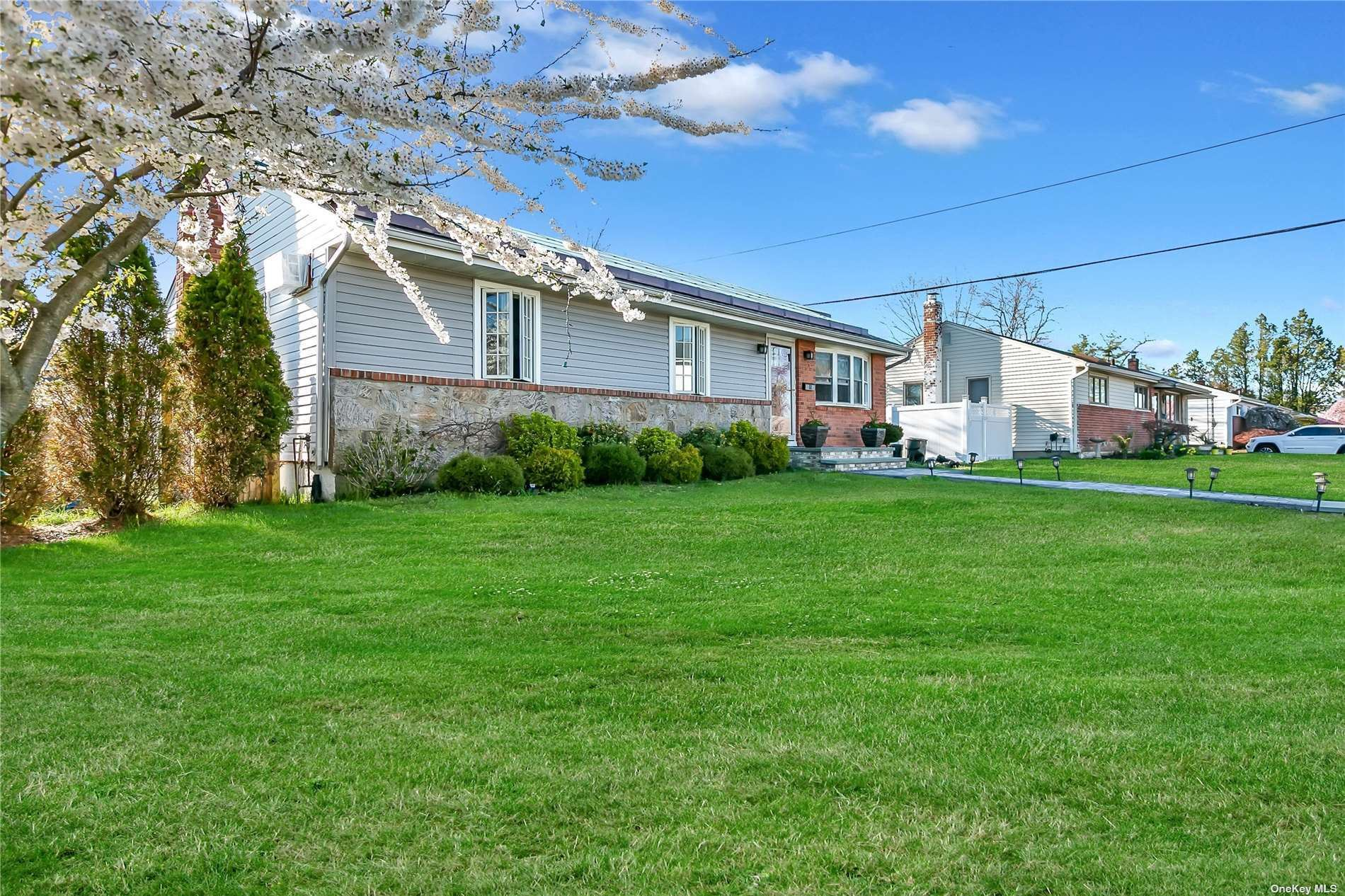 61 Morris Drive, East Meadow, NY 11554 - MLS#: 3303311