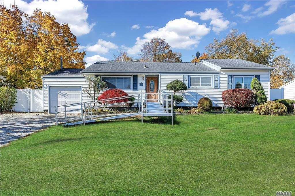 12 Sarah Drive, Lake Grove, NY 11755 - MLS#: 3269313