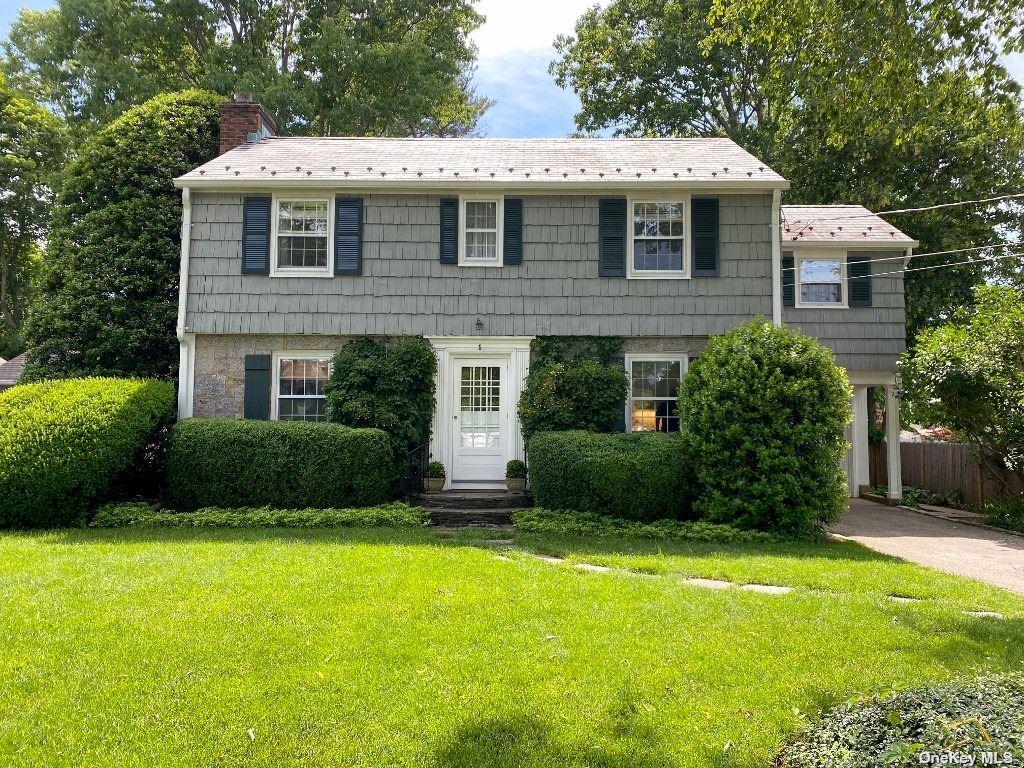 Photo of 1 Willard Place, Glen Head, NY 11545 (MLS # 3321313)