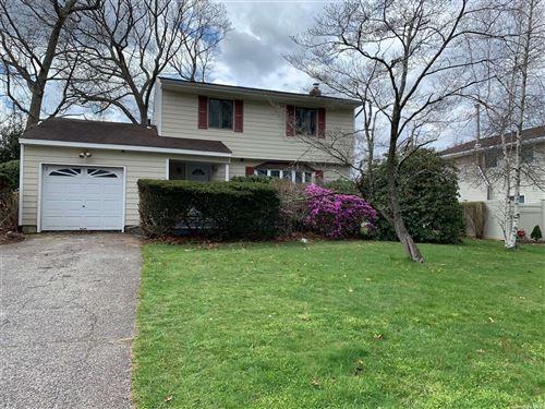 Photo of 37 Sherbrooke Drive, Smithtown, NY 11787 (MLS # 3304315)