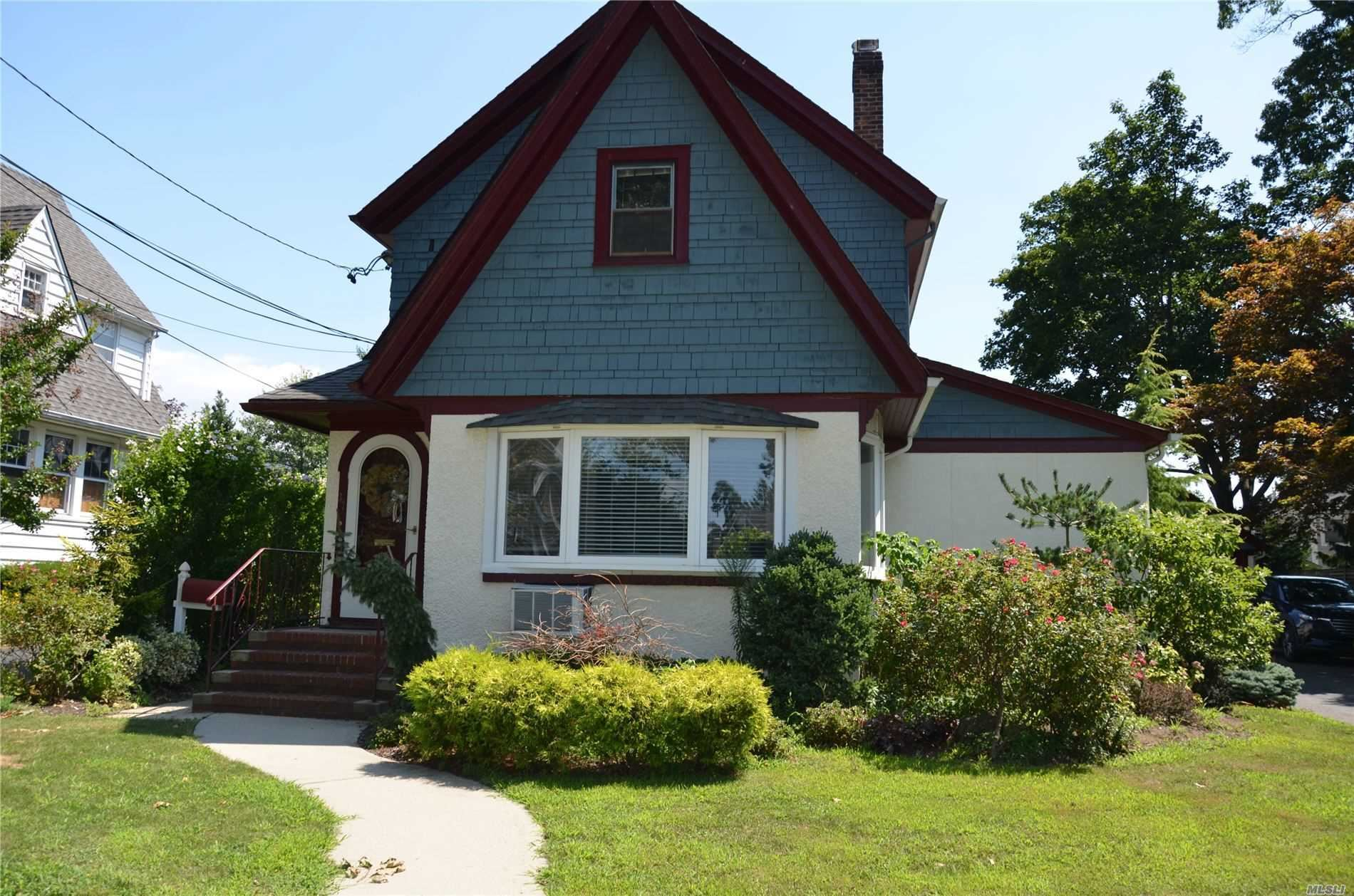37 Hawthorne Street, Lynbrook, NY 11563 - MLS#: 3238318