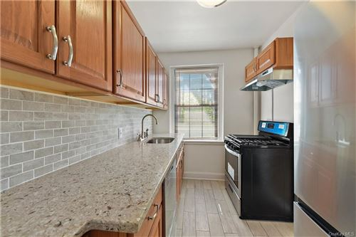 Photo of 190 Garth Road #3Q, Scarsdale, NY 10583 (MLS # H6041319)