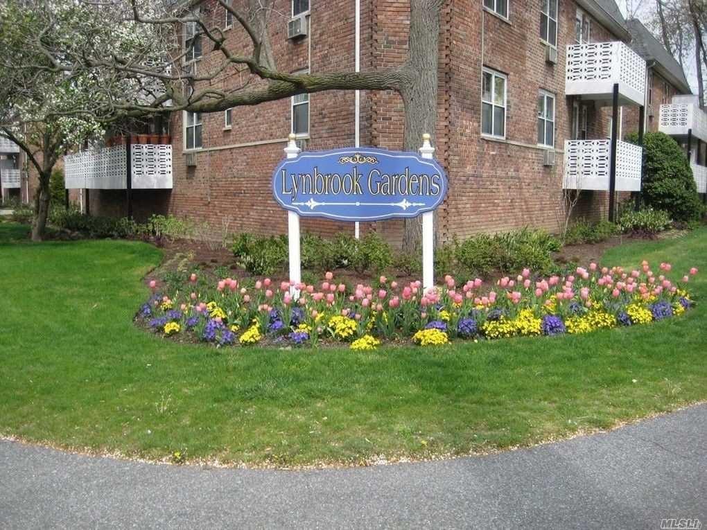 Lynbrook, NY 11563