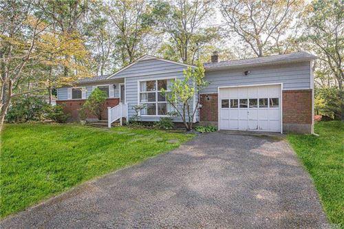 Photo of 7 Cottage Lane, Hampton Bays, NY 11946 (MLS # 3262320)