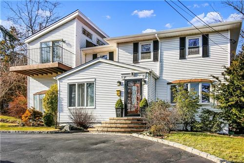 Photo of 4 Tudor Place, Hartsdale, NY 10530 (MLS # H6003320)