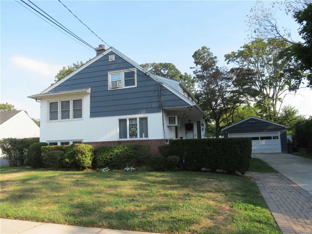 30 Parkside Court, Copiague, NY 11726 - MLS#: 3160321