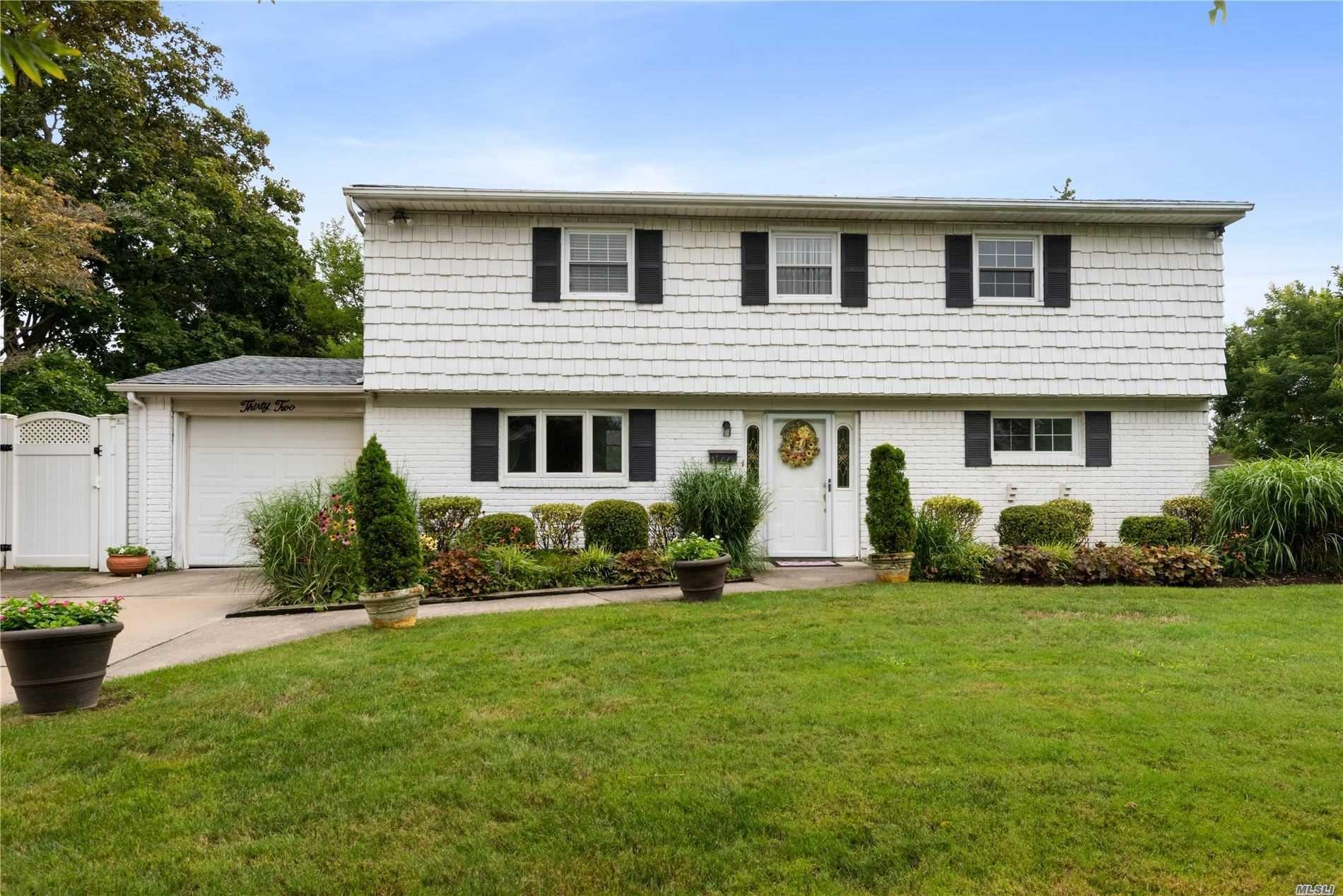 32 E Park Drive, Old Bethpage, NY 11804 - MLS#: 3241324