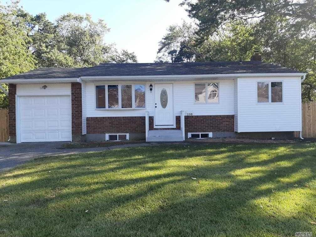 210 Locust Drive, Bay Shore, NY 11706 - MLS#: 3259324