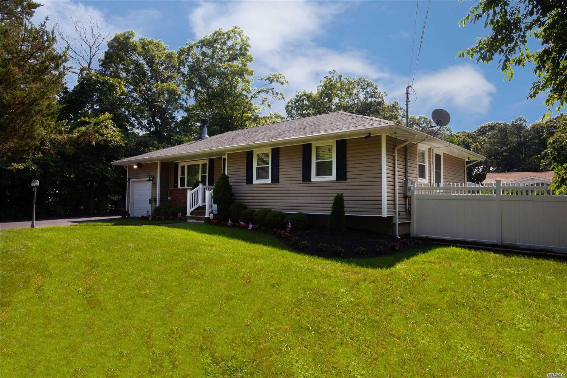 50 Westfield Rd, Coram, NY 11727 - MLS#: 3237328