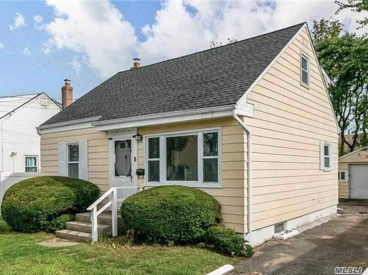 312 Maple Court, Copiague, NY 11726 - MLS#: 3251329
