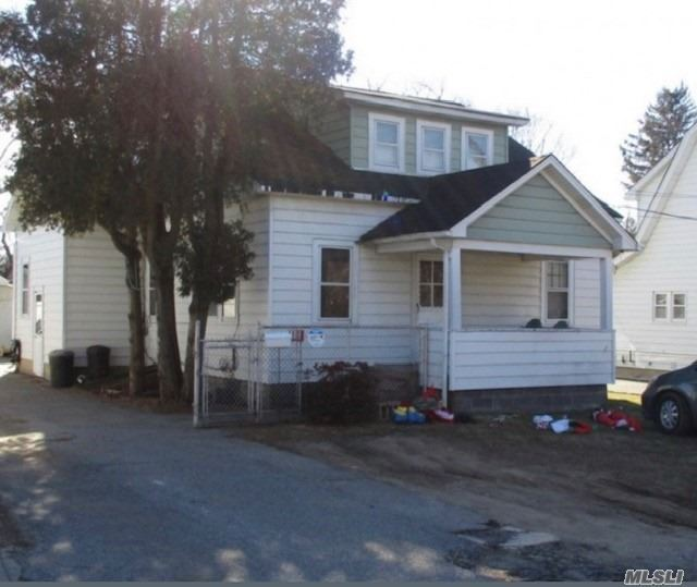 10 W 21st St, Huntington Station, NY 11746 - MLS#: 3227330